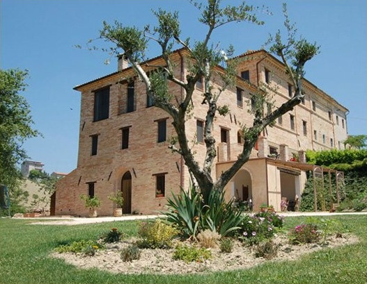 Luxury Accommodation in Marche: Caserma Carina, Mogliano