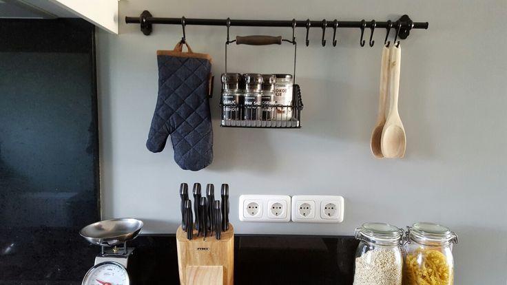 Keuken ophangsysteem #handytoolsforthekitchen #kitchen #keuken #landelijk #modern