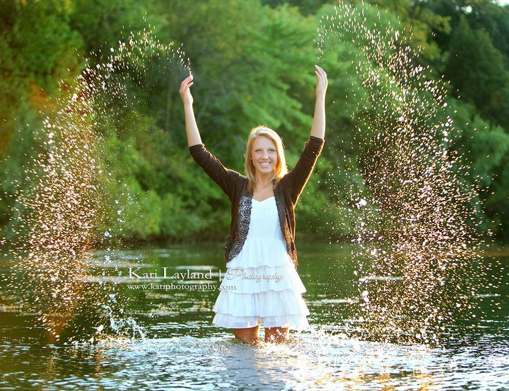 senior pictures with water | senior pictures in water | senior portrait splashing in water MN