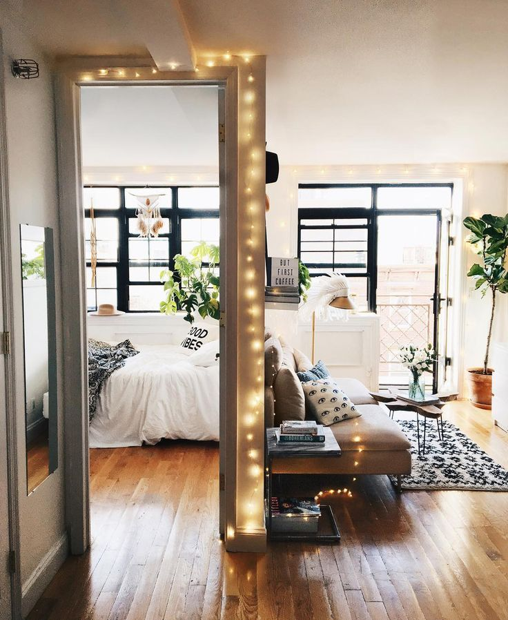 Małe mieszkanie z oryginalnym salonem i sypialnią