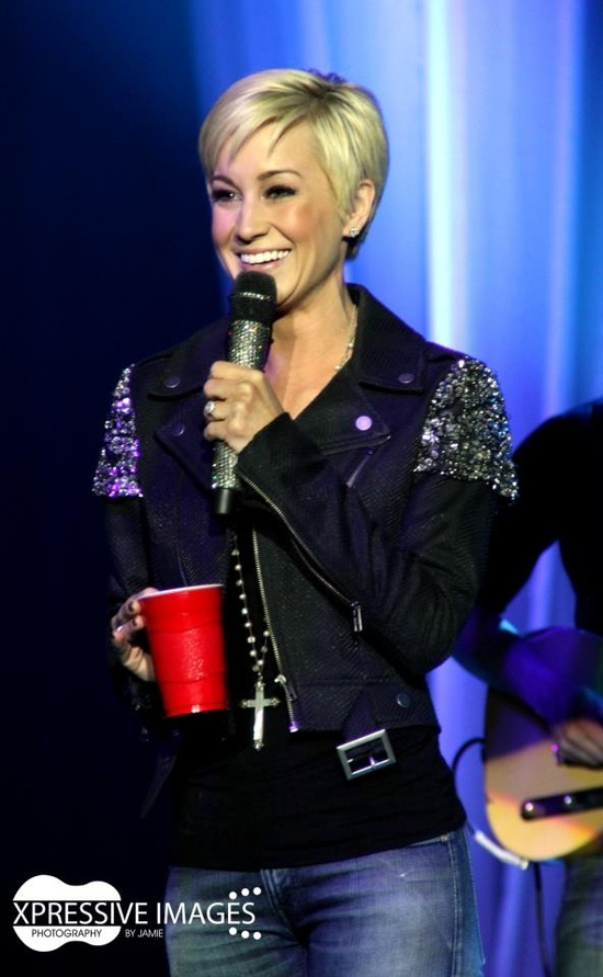 Kellie Pickler- love her hair!!!