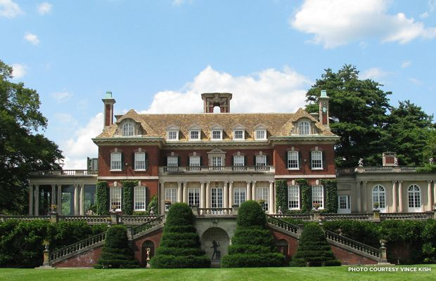 The Great Gatsby Mansions: Real-Life Homes That Inspired the Book and Film, via PreservationNation Blog.