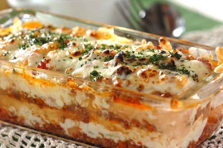 手間のかかるラザニアもソースを作り置きすることで短時間で作れます。野菜たっぷりの2色のソースと豆腐でヘルシーに。豆腐のラザニア[洋食/焼きもの、オーブン料理]2013.09.30公開のレシピです。