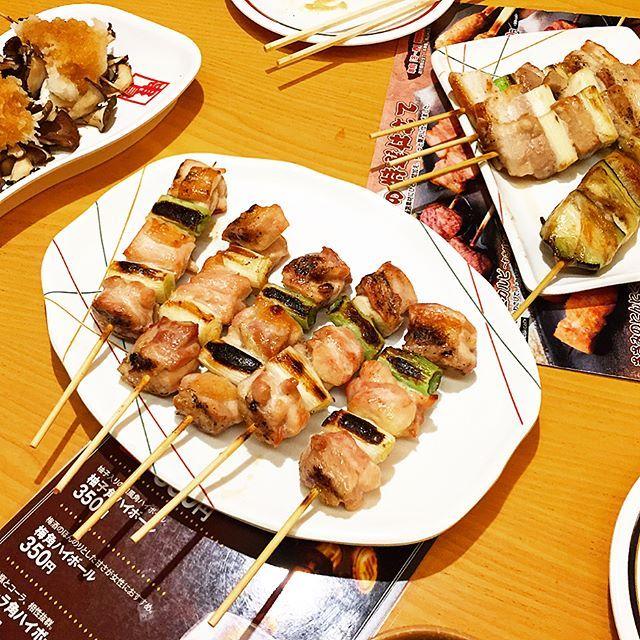 どえむと職場の同僚O君と串鳥行ってきた🐮🐷🐔🔥 久しぶりの串鳥めっちゃ美味しかったし楽しかた( ᐡ ᵔᴥᵔ ᐡ )ぽんぽち どえむO君ごちそうさまですた  #肉 #串鳥 #yakitori #ぽんぽち #串 #food