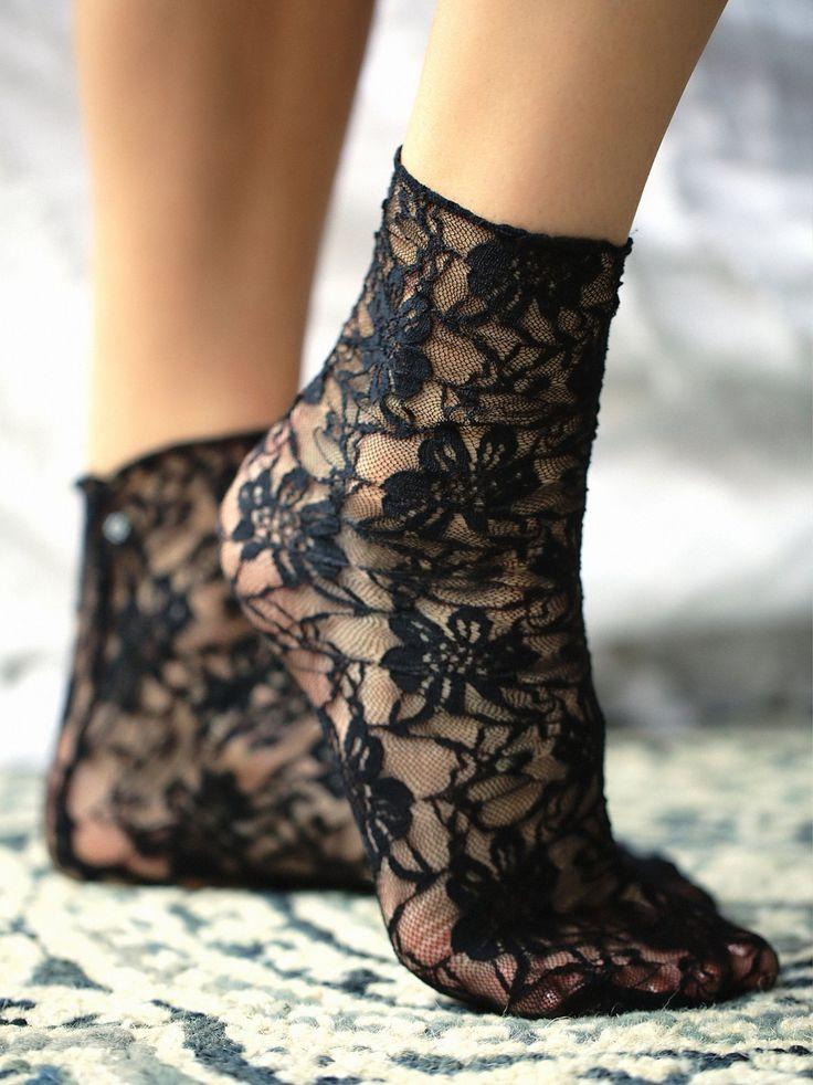 Cross My Heart Lace Sock