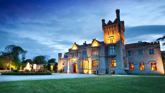 Fancy staying in a castle in Ireland? Experience accommodation like a king – you'll sleep like one too