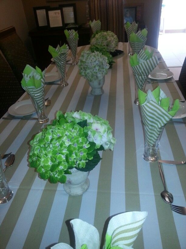 Cream and green table decor