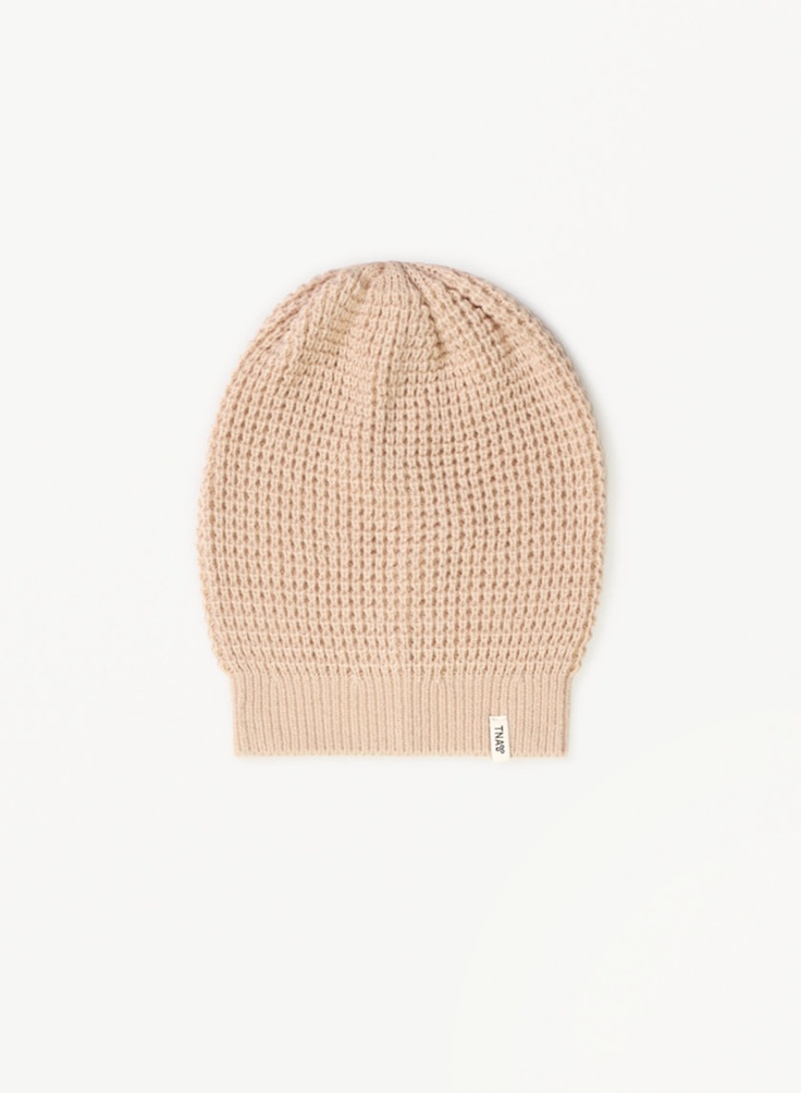 TNA ALPS HAT - A military-inspired winter toque with a textured waffle knit in black