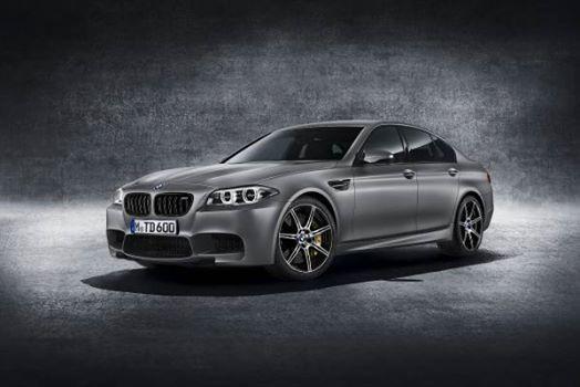 Llega a México el nuevo BMW M5 Edición 30 Años  #AutoBildMexico http://autobild.com.mx/noticias/mexico-m5-30/