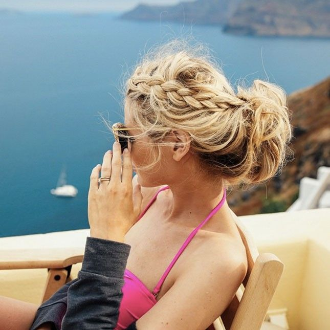 11 Easy Hairstyles to Wear While Travelling | Brit + Co