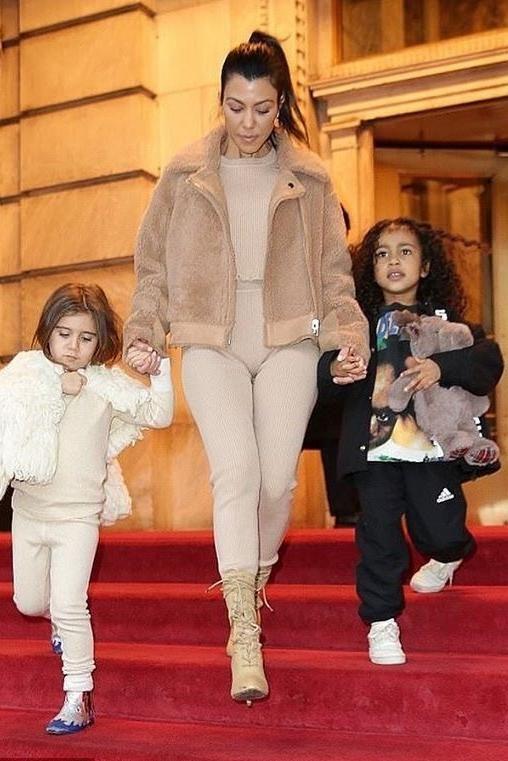 634164150afed Kourtney Kardashian wearing White Fox Bronx Knit Crop in Camel