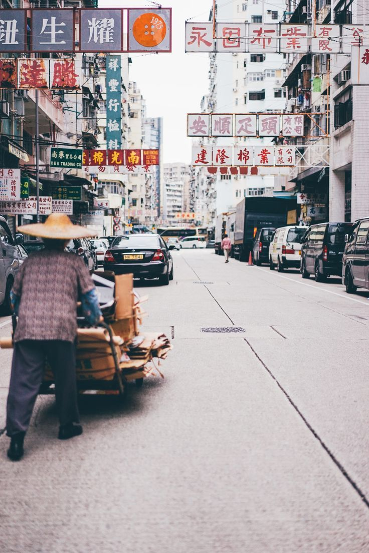When Edward Barnieh sold his camera before moving to Hong Kong, he never expected that photography would help him find a home there. /