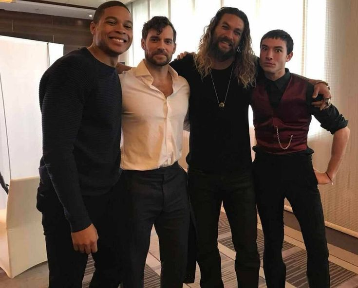 Ray Fisher Henry Cavill Jason Momoa Ezra Miller #handsome #hot #sexy #celebrity #hunk