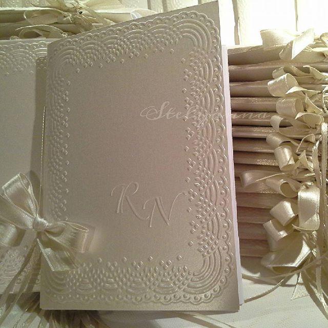 Matrimoni da favola #handmade #matrimonio #confetti #bomboniere #cover  #creazioni artigianali #stelyanna #Stelyanna.blogspot.com #partecipazioni  #wedding #fattoamano #weddinginitaly #ricevimento