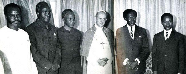 African leaders (L-R) Col. Michael Micombero (Burundi) Dr. Kenneth Kaunda (Zambia) Dr.Julius Nyerere (Tanzania) Dr. Milton Obote (Uganda) and Dr. Gre'goire Kayibanda (Rwanda) pose for a photo with Pope Paul VI (centre) in 1969.