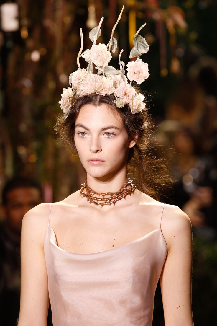 118 best images about stephen jones on pinterest for Buy haute couture
