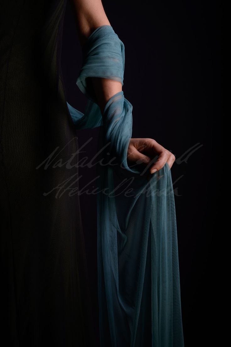 A blue touch...         (A chall from the Atelier)    www.nataliecapell.com