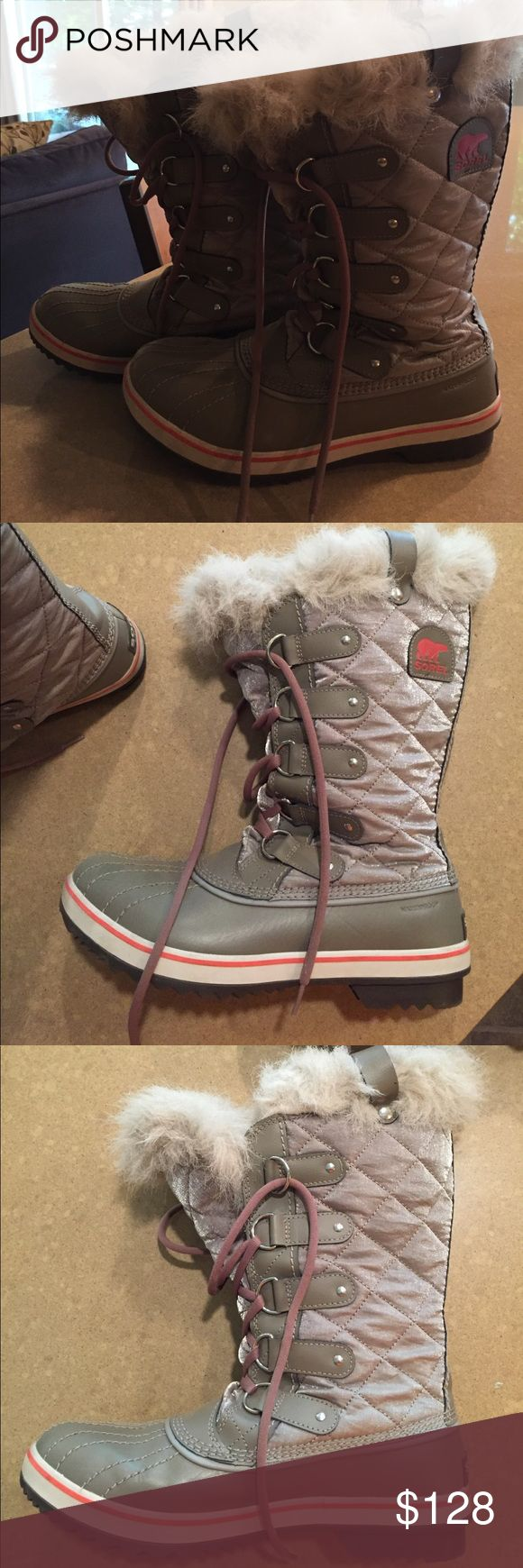 Silver and orange Joan of arc Sorel boots Worn only 3 times. US 10 but fit like a 9. Sorel Shoes Winter & Rain Boots