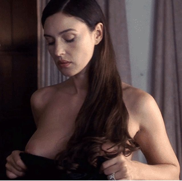 actress-nude-gif-gif-girl-sex-with-hors