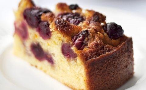 Kersentijd: Heerlijke Vanillecake Met Verse Kersen recept | Smulweb.nl
