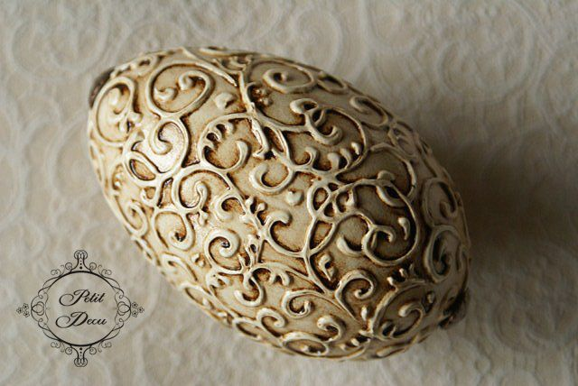 Use dimensional paint to create a relief design. Artist Sylvia Servin