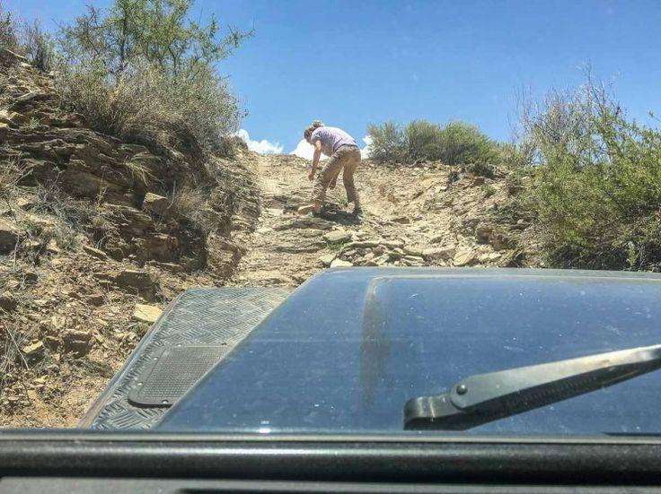 Straße bauen für den Land Rover auf dem Isabis-Trail, Namibia