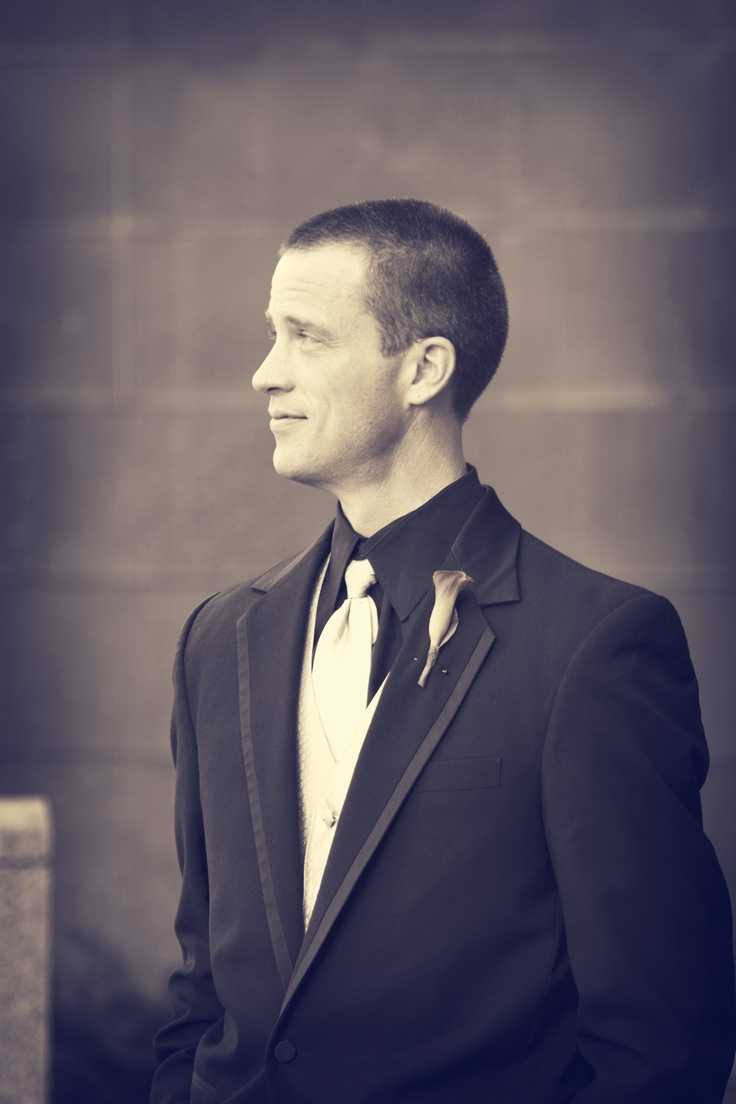 Handsome groom :) Photo by Chris #WeddingPhotographyMN #Groom