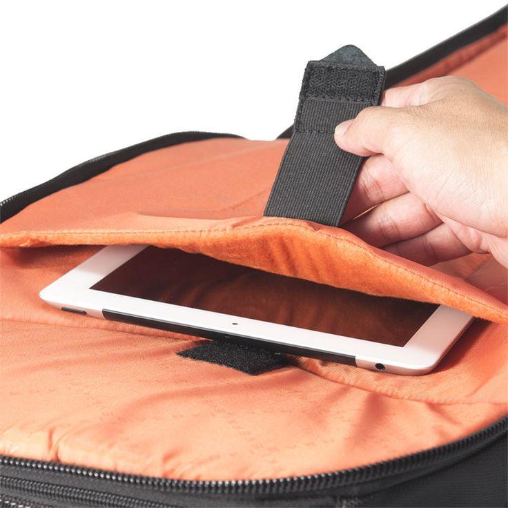 튼튼한 벨크로 스트랩을 이용 단단하게 고정할 수 있으며 부드러운 패딩 마감을 사용하여 각종 외부 손상으로부터 당신의 컴퓨터를 보호합니다