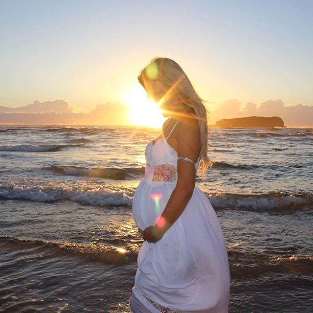 Beautiful shoot this morning with @sarah_jeanxox wearing the amazing jewels from @ellenscrystals ✨  .  .  .  .  #magicmoments #canon #eos700d #digital #art #design #jhdesigns #ocean #mermaid #saltationphotography #1stphoto #fingal #sunrise #raw