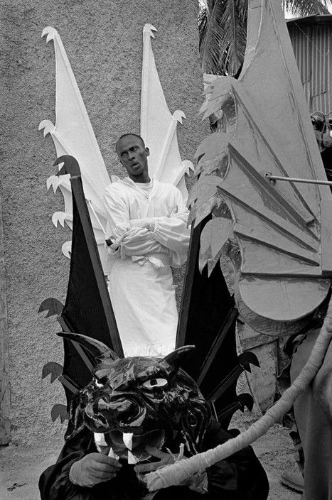 Cristina García Rodero :: Carnival of Jacmel, Haiti, 2001 / more [+] this photographer