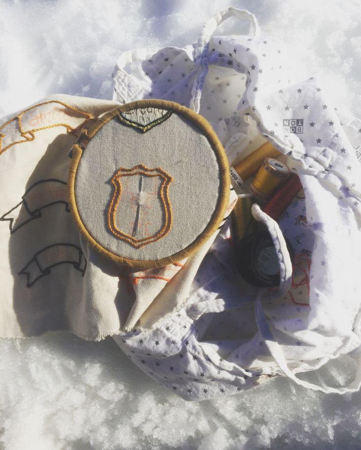 Patch-Badge contour au point de tige en coton perlé E.Made By Elise  www.emadebyelise.etsy.com