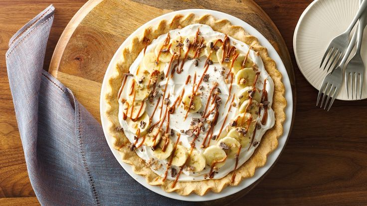 Looks and Sounds Good!   The chocolate toffee bits add texture and an extra hit of toffee to this delicious pie!