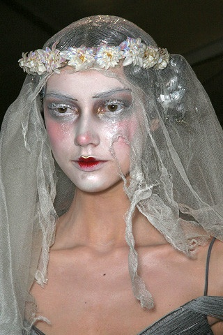 Makeup | John Galliano Fall 2009