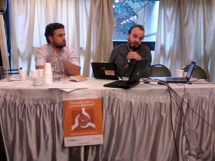 Nicolás Meyer y Cristóbal Navarro respondiendo las preguntas del auditorio sobre PROFAESS