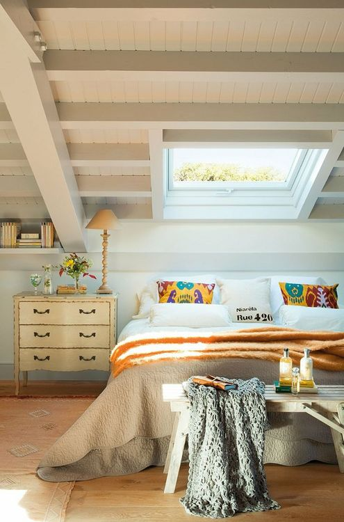 myidealhome: attic bedroom - Think Decor