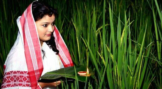 Assam CM declares government holiday coming Monday on the occasion of Kati Bihu   Assam Chief Minister Sarbananda Sonowal has declared a government holiday on Monday on the occasion of Kati Bihu.  Taking into consideration the spirit of Kati Bihu among the Assamese community the Chief Minister declared it as a government holiday so that everyone can take part in the rituals of Kati Bihu a government release said.  All government offices semi-government offices and educational institutions…