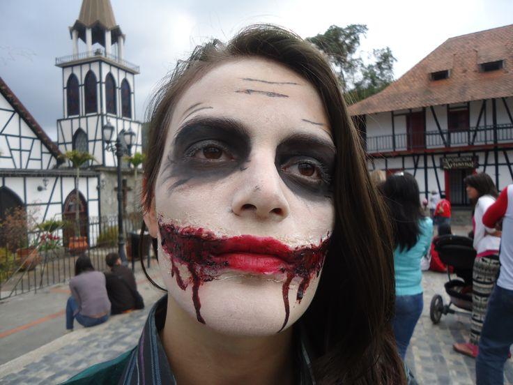 maquillaje de joker fx hecho en casa