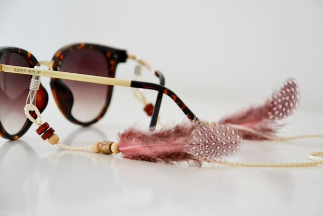 boho feather sunnycord by shadeloops #feather #sunnycord #boho #style #coachella #accessoires #sunglasses