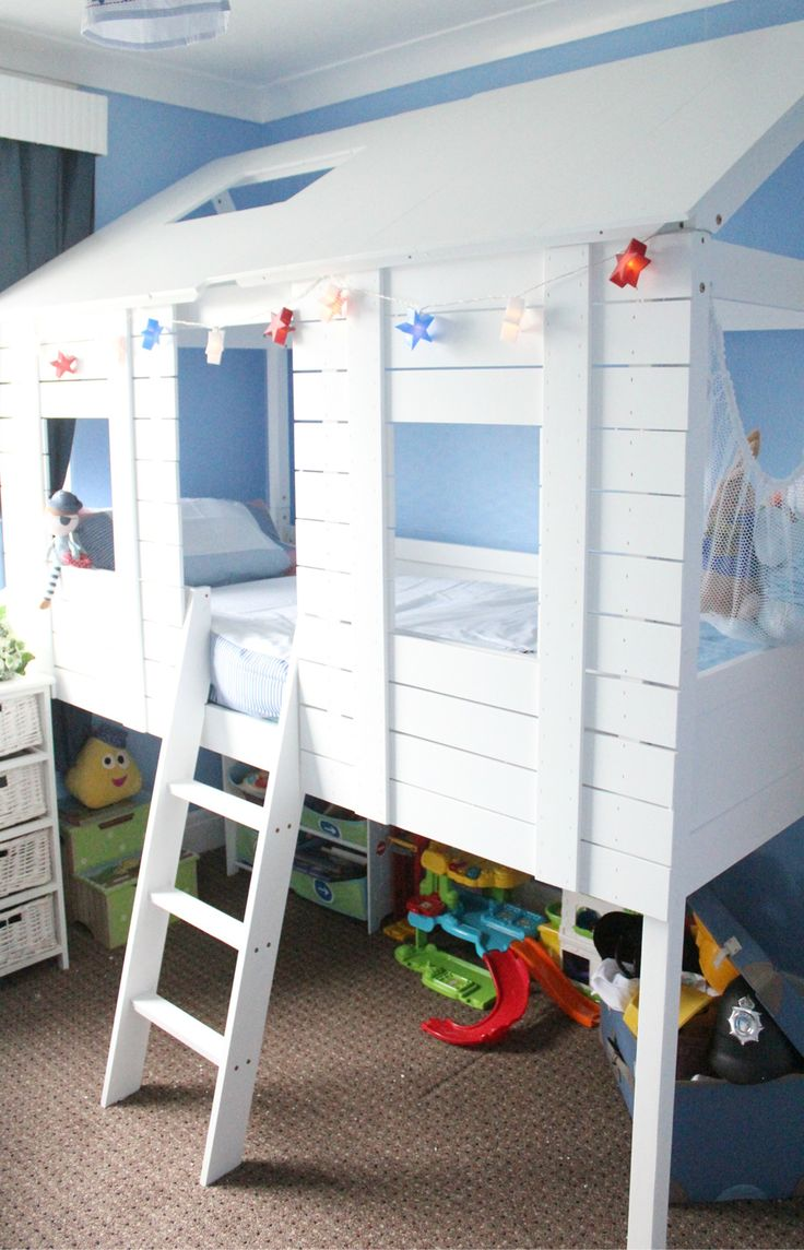 Hayley creates the ultimate children's room full to the brim of pirates, lights and toys!