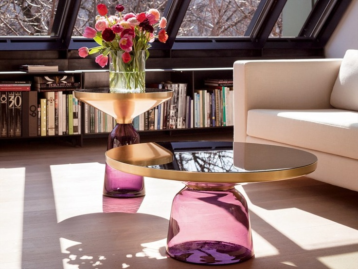round blown glass coffee table bell table by classicon. Black Bedroom Furniture Sets. Home Design Ideas