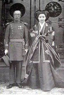 Aisin-Gioro Pǔjié, the brother of Puyi, the last Emperor of China and his second wife, Lady Hiro Saga at their 1937 wedding.