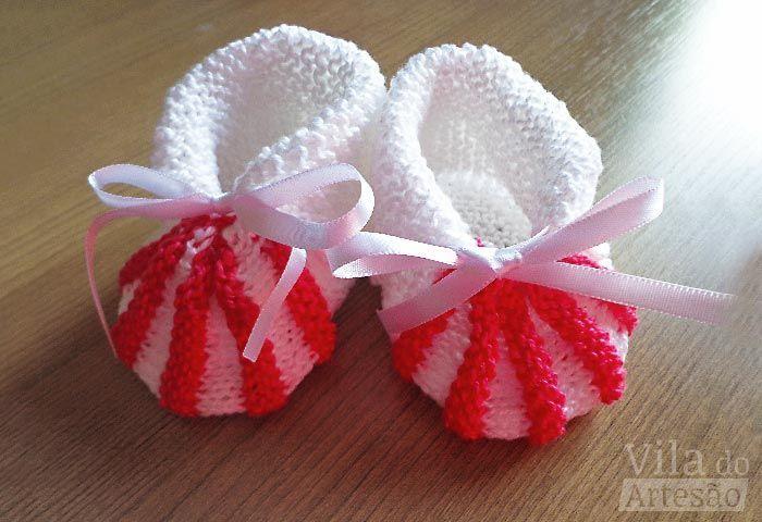Aposto que você sempre topa aprender mais receitas de sapatinhos de bebê em tricô. Então vem pra cá ver como é fácil a de hoje.