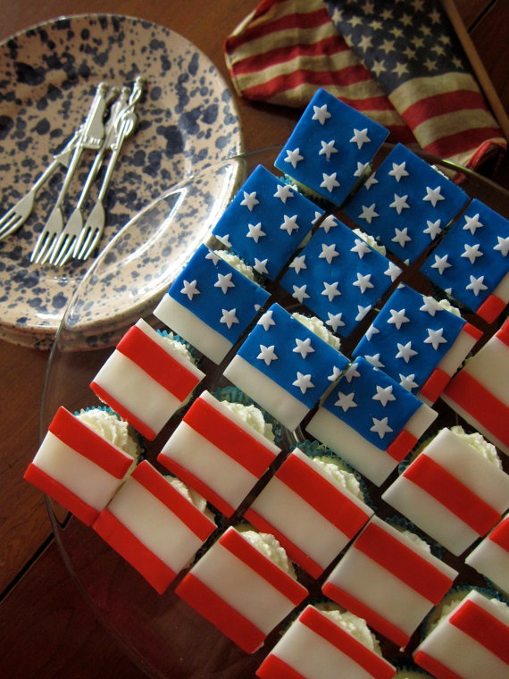 American Flag Cupcake Toppers (30 Pieces for mini Cupcakes) by Sachiko Windbiel