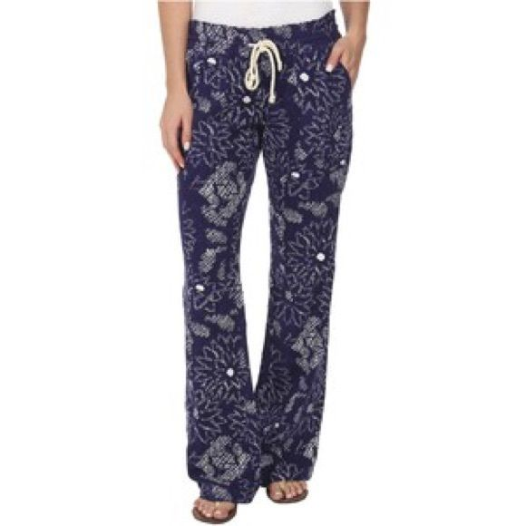 HPRoxy Oceanside Beach Pants Printed beach pants Smocked waistband Drawcord Back pockets Size M Roxy Pants Trousers