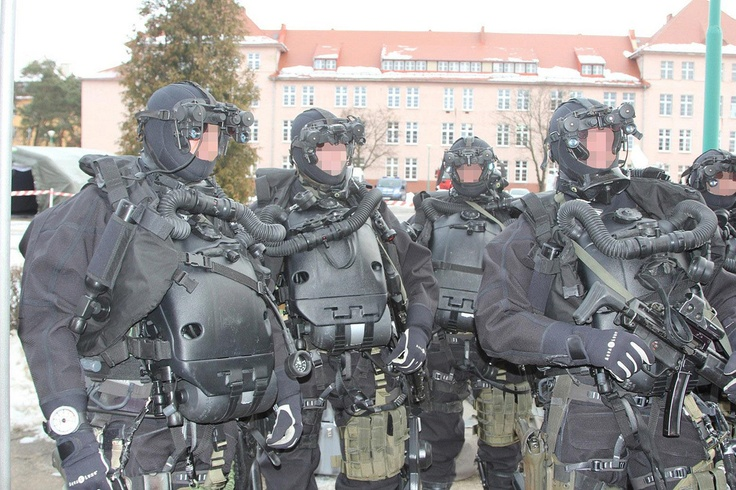 Polish Navy Special Forces Operators from FORMOZA put on a display of weapons and equipment for a visiting VIP - 27th January 2011