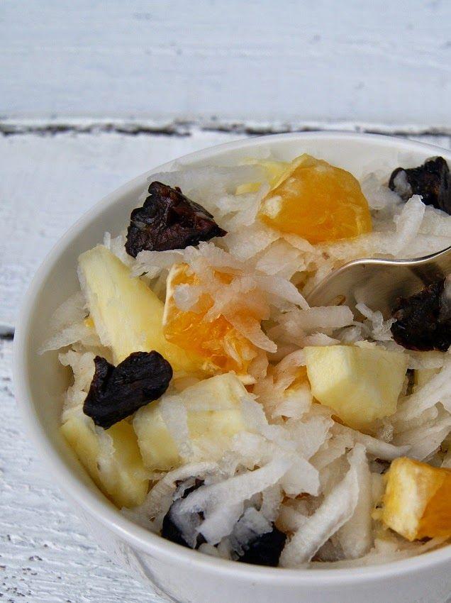 Surówka owocowa z białej rzodkwi