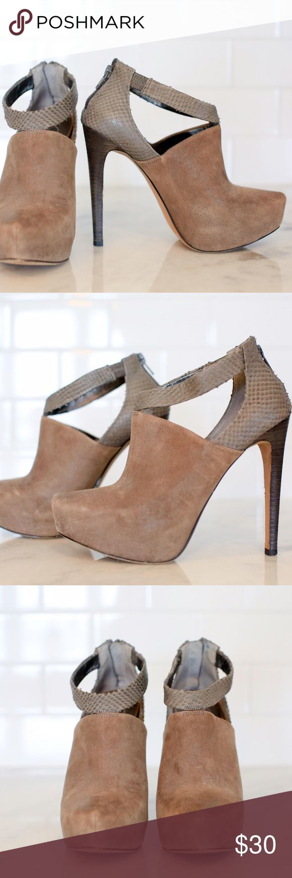Jessica Simpson Booties Adorable Jessica Simpson zip-back heeled booties. Only worn once, hate to get rid of them but they're slightly small on me. Gray color with snakeskin back and ankle fabric. Love these! Jessica Simpson Shoes Ankle Boots & Booties