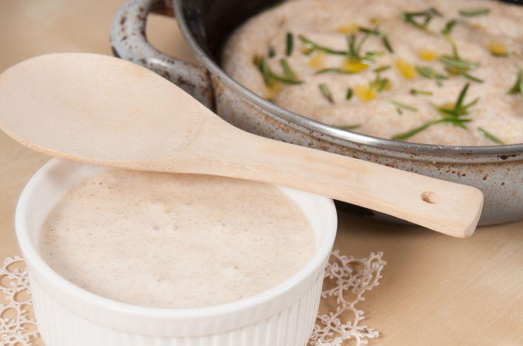 5 Ricette facili con pasta madre - Se avete preparato la pasta madre con la nostra ricetta, ecco come cucinare pane, pizza, cornetti, ciambelle e crackers.