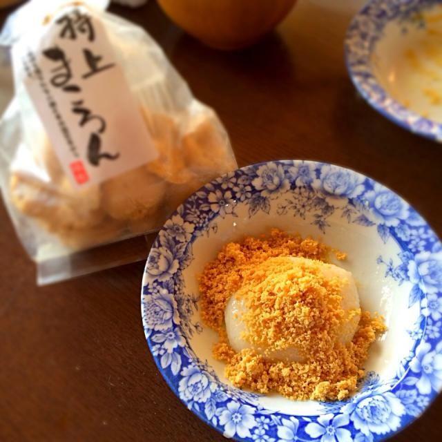 我が家の定番 まころん餅。 仙台のお菓子 まころん をすりつぶしてお餅にまぶすだけ。 甘くて落花生の風味がたまりません(^^) - 28件のもぐもぐ - まころん餅 by takeshism