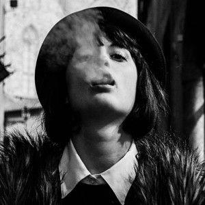 Emozioni della domenica . . . il progetto di Francesca Pucci.  Originalità e sensibilità ci hanno colpito in questo progetto fotografico di Francesca Pucci che, navigando nella musica, racconta le emozioni contrastanti della domenica, sospese tra passato e futuro.